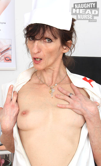 Horny mature brunette Andula showing of at gyno with speculum and toys