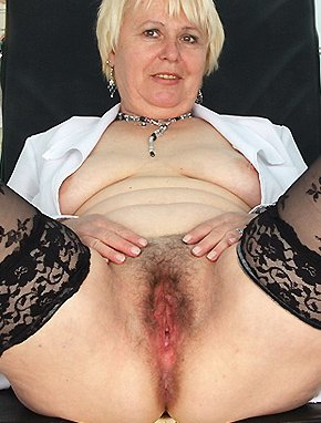 Elder amateur mom Bozena 56 years old in mature HD porn video