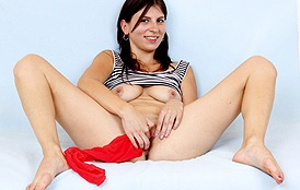 Fernanda Martins at HideNylons.com - nylons pantyhose fetish masturbation