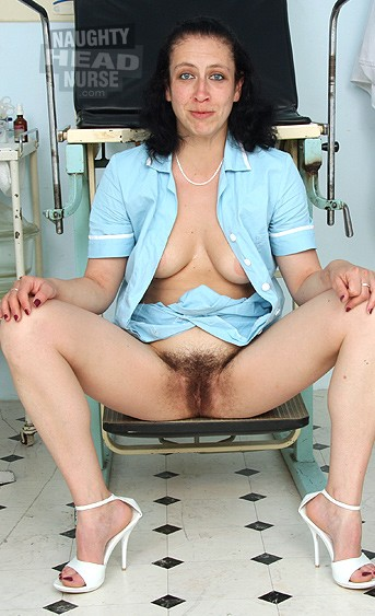 Upskirt POV big booty chicktrainer