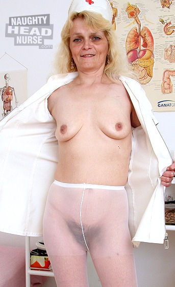 Aged granny sits on gyno chair in a gyno medical room and spreads her hairy twat with fingers and gyno tools