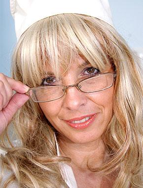 Elder amateur mom Jirina 49 years old in mature HD porn video