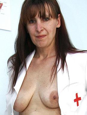 Elder amateur mom Karin 43 years old in mature HD porn video