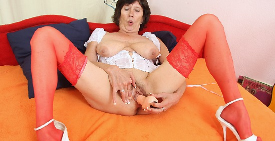 grandma, granny, grandmother, oma, old, elder, aged, mature, milf, mom, masturbation, stockings