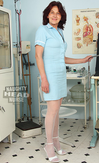 Aged granny head nurse is over 60 still working in a hospital to have an access to kinky gyno tools to play with on gynochair.