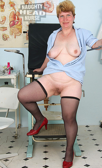 This amateur mom is not a pretty woman but she looks kind of naughty in her nurse uniform and stockings. She dildoying her mature pussy on gynochair using a bizarre gyno tool.