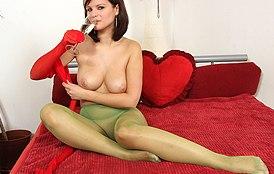 Rita Argiles at HideNylons.com - nylons pantyhose fetish masturbation
