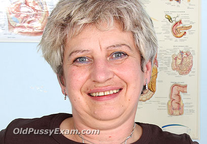 Click here to see Ruzena old pussy exam video