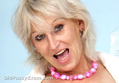Aged mom Samantha White mature porn HD video