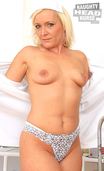 This mature nurse niche video is all about the stunning blonde milf Simira, who dressed up as a head nurse to do a self gyno and a solo in the inquiry chair