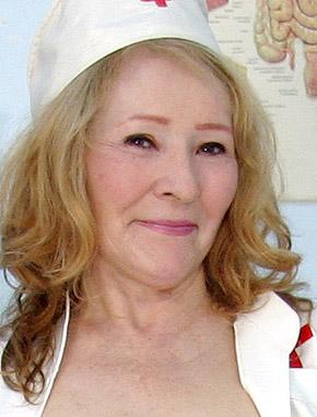 Elder amateur mom Sofie 65 years old in mature HD porn video