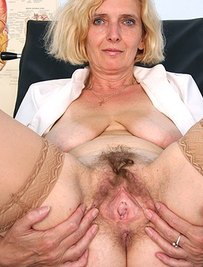 Elder amateur mom Tamara 47 years old in mature HD porn video