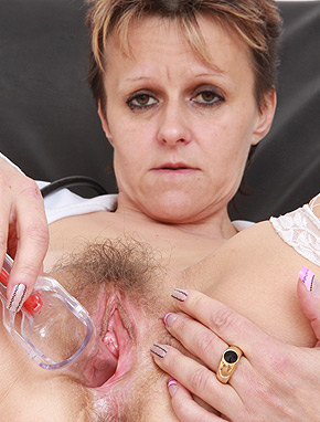 old pussy porno Watch mature women fucking because they sure know how to do it and really  love it.