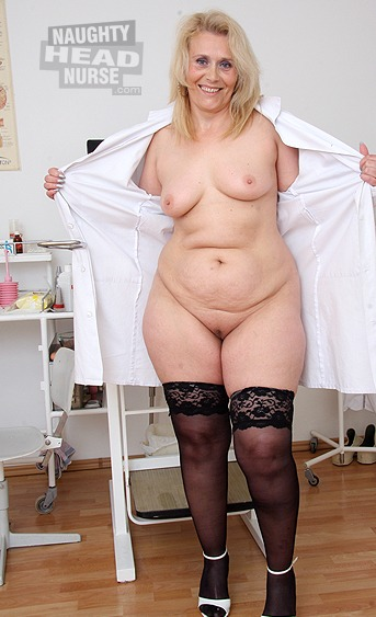 Naughty mom works in a hospital and she likes to stretch her aged pussy with medical gyno tools