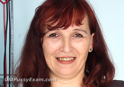 Click here to see Zita old pussy exam video